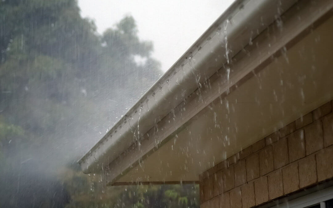 5 reasons why you should clean your eavestroughs